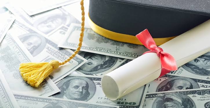 Photo of Get a low credit score Education Loan to help Your Education